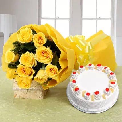 Dozen Roses With Cake