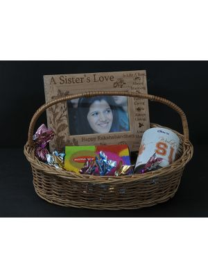 Return gift hamper for sister.