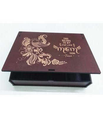 Personalized Engraved Box: Awesome Mom